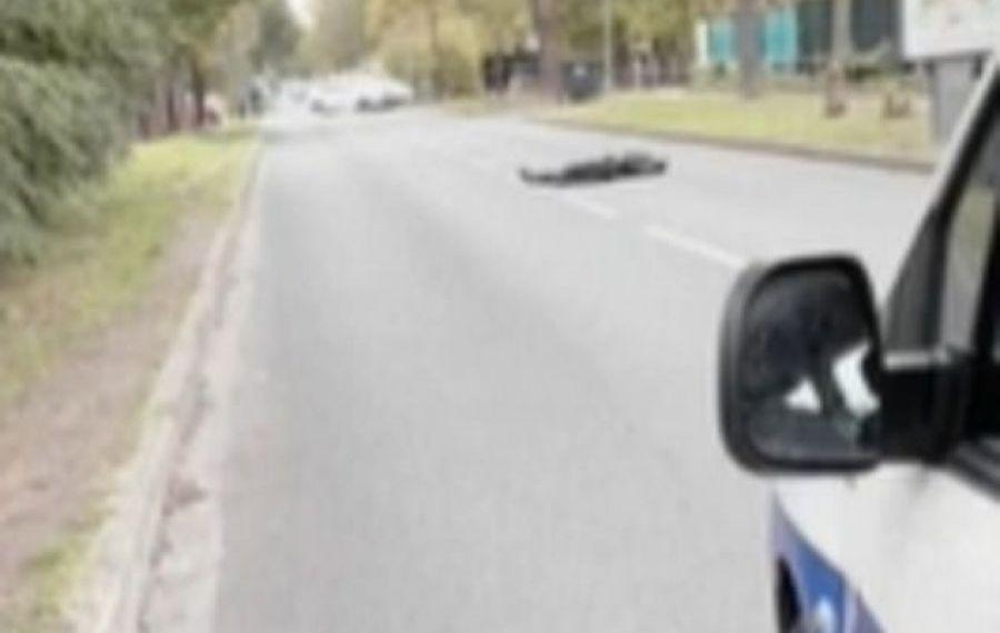 Atac TERORIST în Paris: un profesor a fost decapitat în plină stradă. Care e motivul