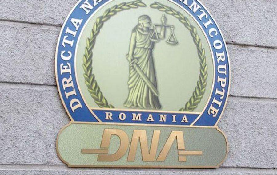 Romsilva, zguduită de un nou scandal: Angajați ai regiei, trimiși în judecată de DNA pentr luare de mită