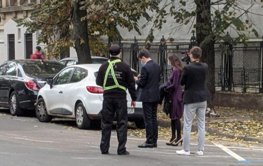 Unde și-a lăsat mașina NICUȘOR DAN înainte de ceremonia de învestire ca primar