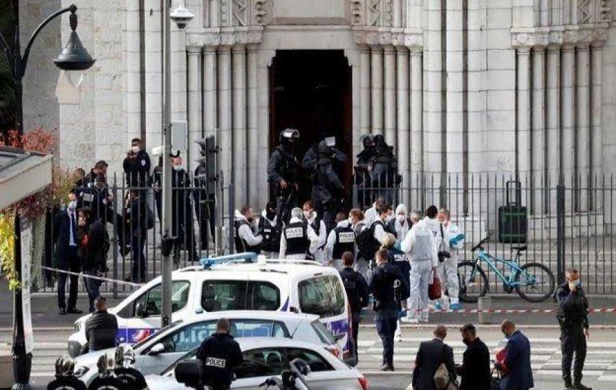 Atacuri TERORISTE în lanț în Franța. Mărturiile oamenilor de la locul tragediei