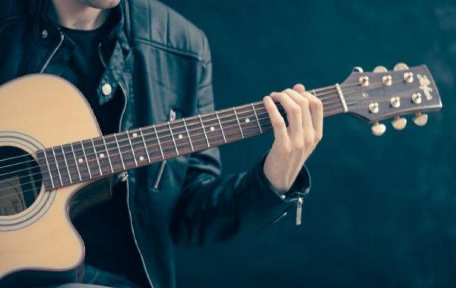 100 dintre marii cântăreți ai țării cer Guvernului SPRIJIN pentru sectorul cultural