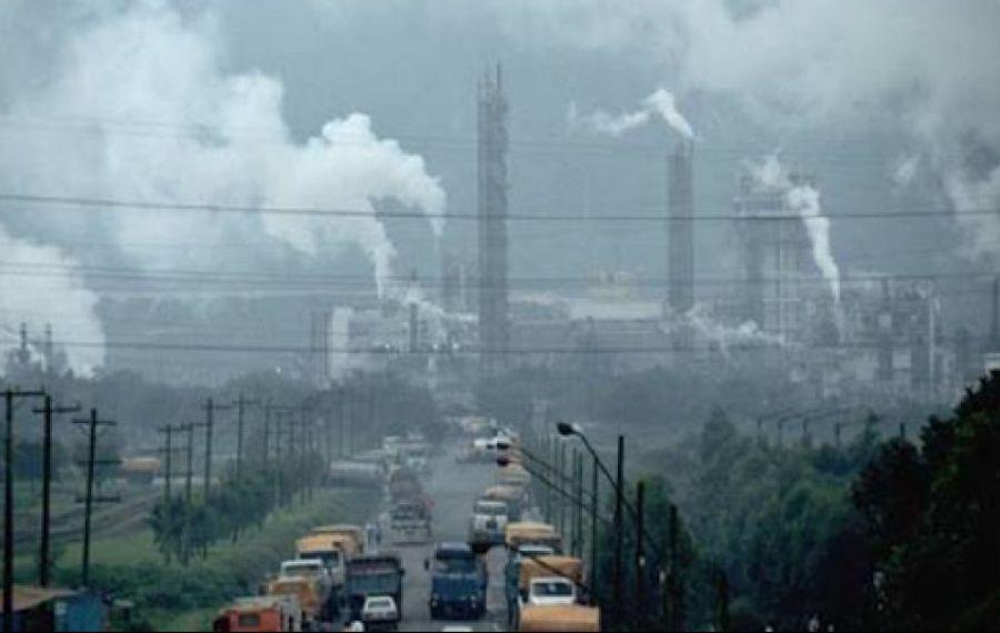 Raport îngrijorător: Poluarea a UCIS 400.000 de europeni