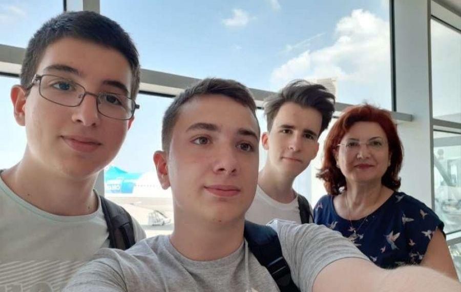 Tineri români de geniu, promovați de presa internațională