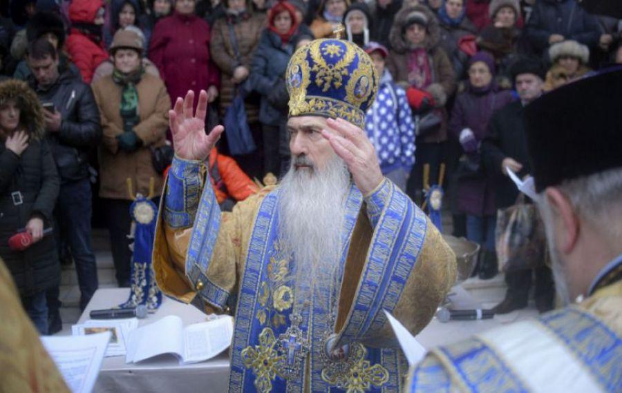 """ÎPS Teodosie: """"Să ducem icoanele în MALL, să ne ÎNCHINĂM acolo dacă în biserică nu avem voie"""""""