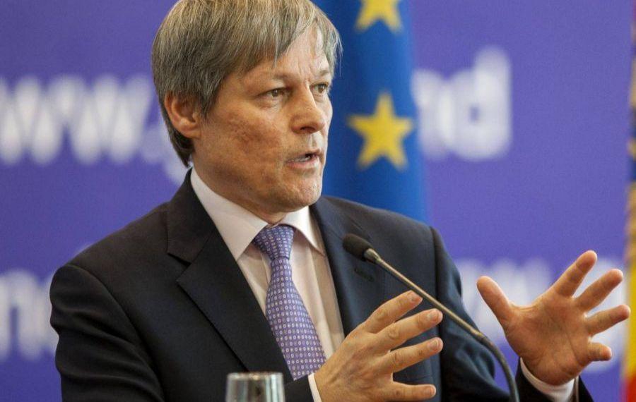 Un nou scandal politic: Întrebat dacă se vaccinează împotriva COVID-19, Dacian Cioloș a avut un răspuns surpriză