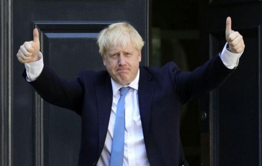 Gestul inedit făcut de Boris Johnson pentru a încuraja VACCINAREA
