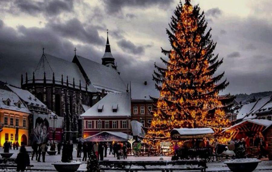 Veste bună pentru turiști. Târgul de Crăciun din Piața Sfatului din Brașov va fi organizat