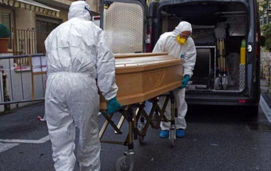Un șofer de ambulanță a murit în urma infectării cu COVID-19
