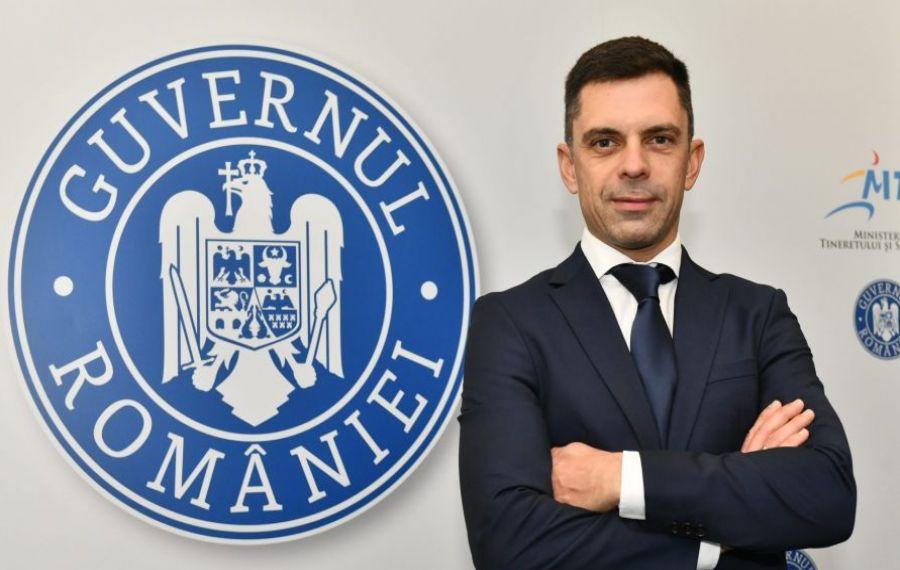 Noul șef al MTS, Eduard Novak, primul oficial român care ia atitudine la insultele rasiste şi discriminatorii aduse lui Şumudică