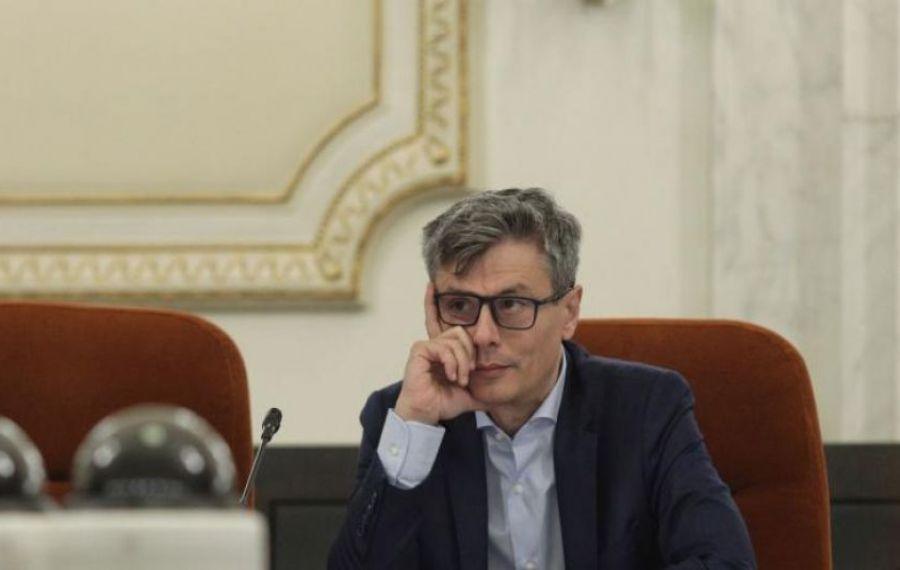 Virgil Popescu: Termenul pentru trecerea consumatorilor casnici pe piața concurențială va fi prelungit