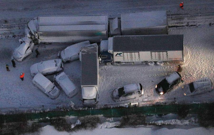 Accident cu peste 130 de mașini pe o autostradă din Japonia