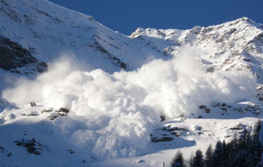 Risc maxim de AVALANȘĂ în Munții Făgăraș și în Munții Bucegi