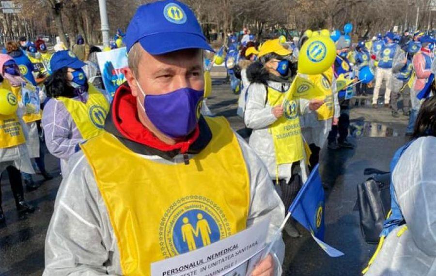 """PROTESTE ale sindicaliștilor din Sănătate în Capitală: """"Fără noi, Covid-ul e pe voi"""""""