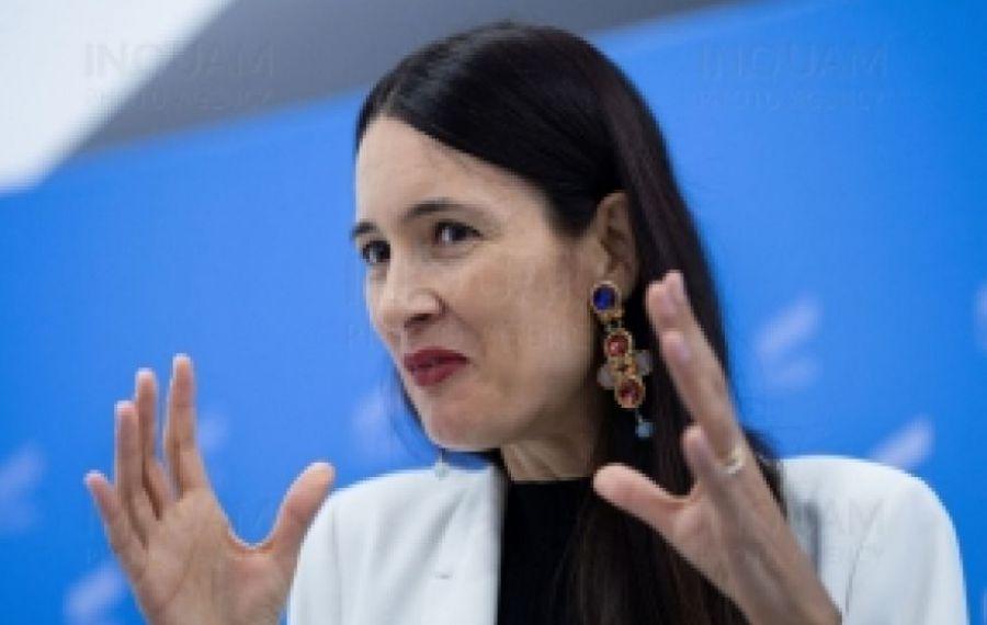Clotilde Armand își AMENINȚĂ angajații: dați documentele la DNA sau ZBURAȚI