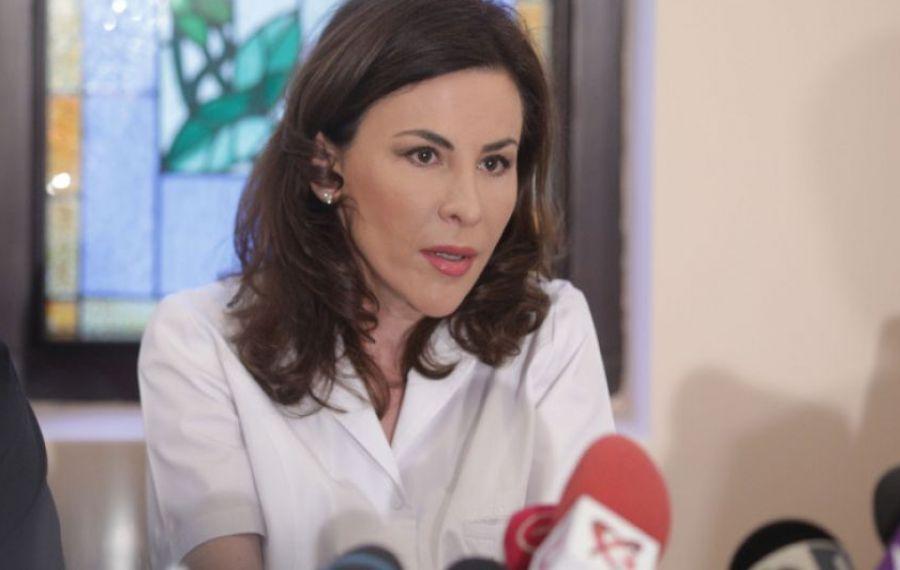 """Dr. Adina Alberts: """"Au fost lăsaţi oameni SĂ MOARĂ în spitale, iar medicii sunt AMENINȚAȚI"""""""