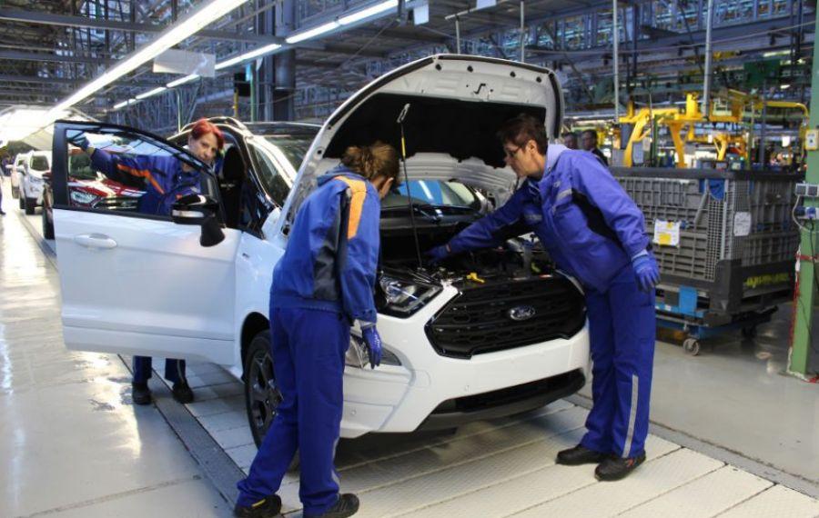 Șoc la Craiova. Uzina FORD oprește producția de mașini