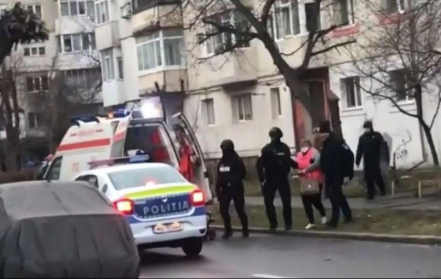 ONEȘTI: soţia bărbatului care a sechestrat şi ucis doi muncitori a fost REȚINUTĂ