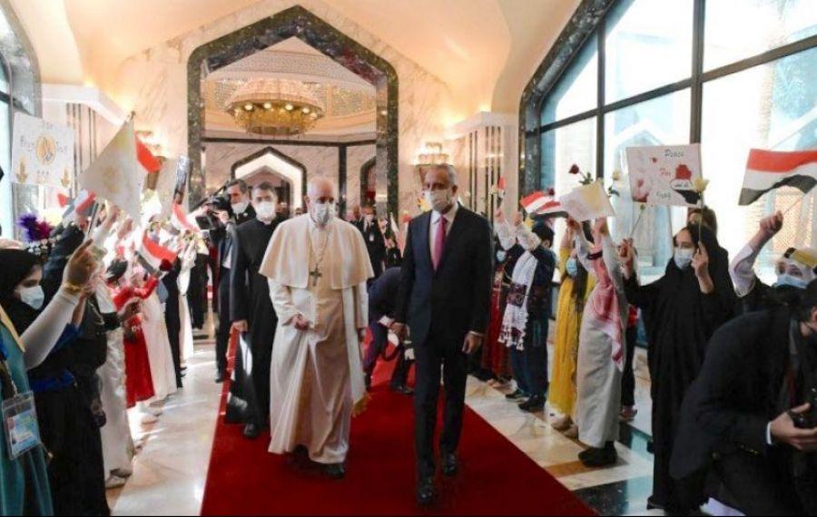"""Papa Francisc, vizită ISTORICĂ în Irak: """"Ajunge cu violențele, cu extremismul, cu intoleranța!"""""""