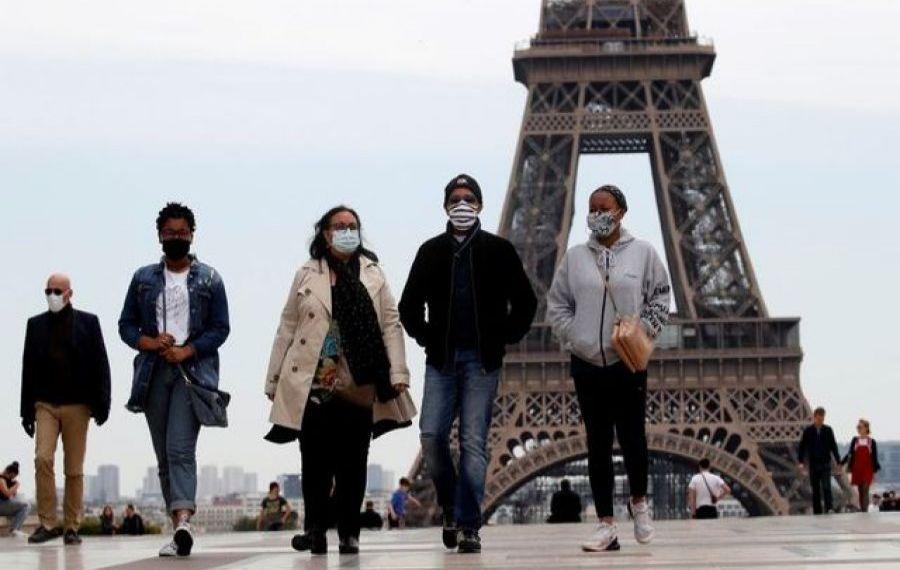Franța extinde CARANTINA în Paris și închide școlile