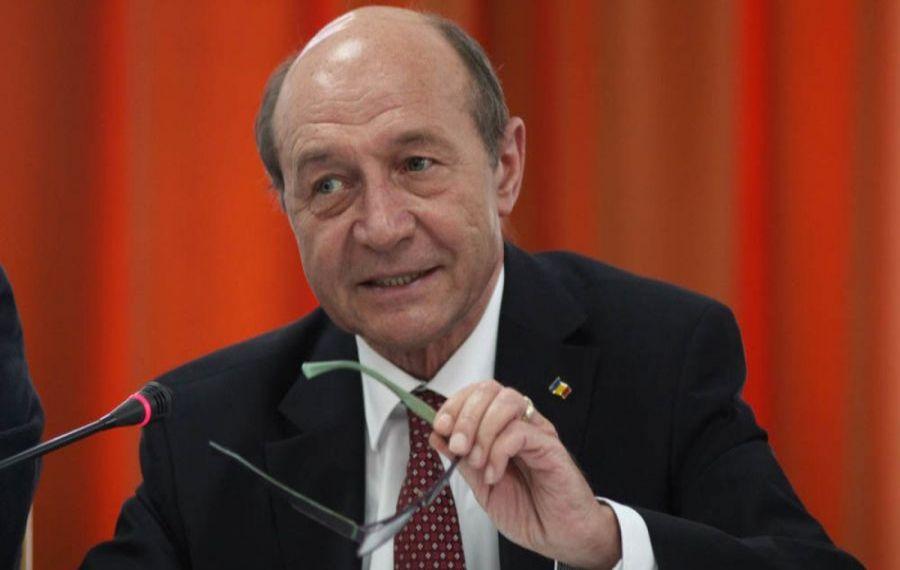 """Traian Băsescu îl CEARTĂ pe Florin Cîțu: """"Trebuia să zboare și Arafat!"""""""