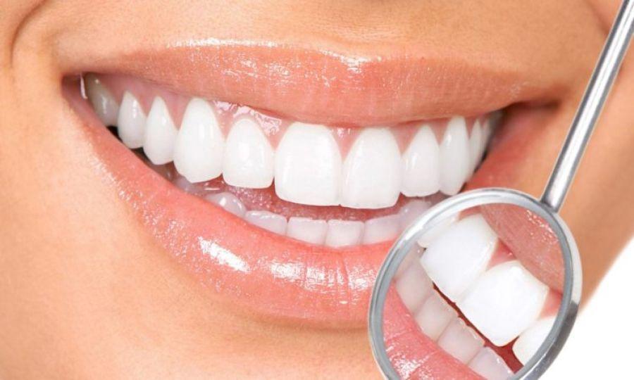 SALIVA, aliatul prețios pentru dinții albi și sănătoși / Alimentele care ne fac CARII