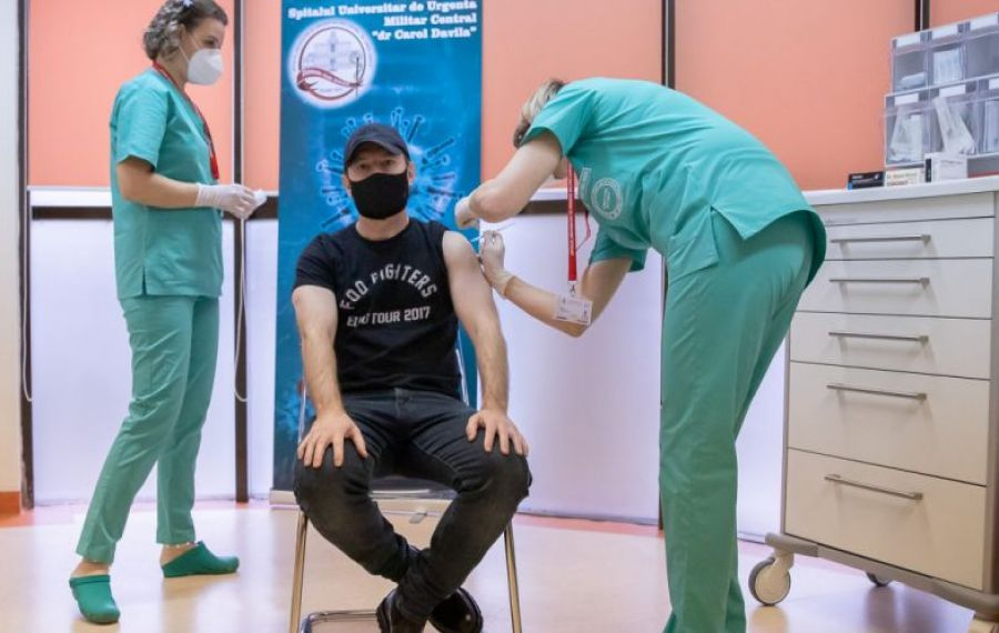 """Premierul Cîțu, un nou apel pentru vaccinarea anti-COVID: """"Să ELIMINĂM acele voci care sunt împotrivă!"""""""