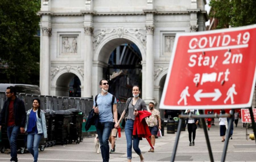 Marea Britanie vrea să AMÂNE relaxarea restricțiilor din cauza tulpinii indiene a COVID