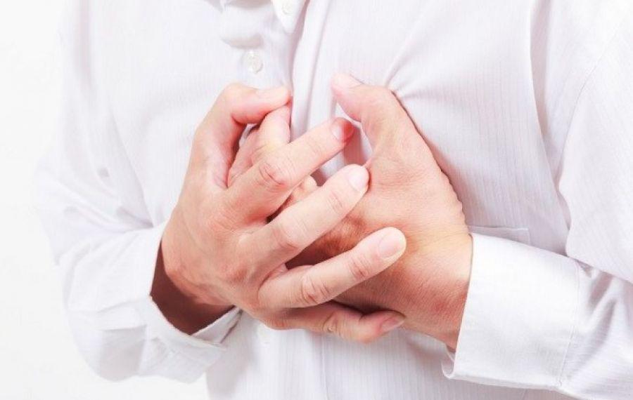 Adolescent cu simptome de sindrom coronarian acut, la trei zile de la vaccinarea cu Pfizer