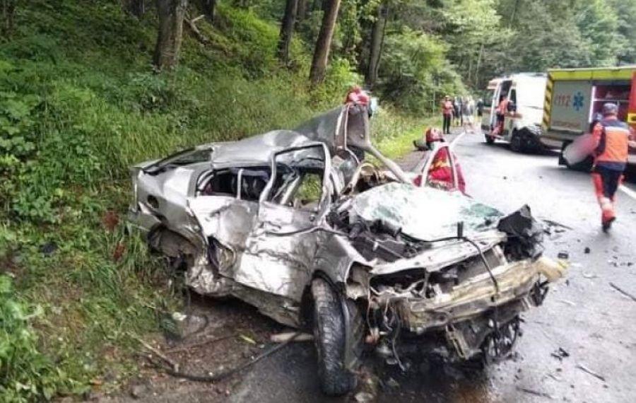 UPDATE.Fostul campion naţional de off-road Adrian CERNEA a decedat după ce mașina sa de concurs a fost luată de VIITURĂ. Copilotul Alex TACHE a fost salvat, dar este în stare gravă