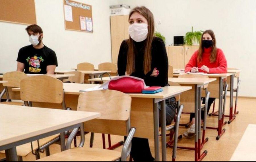 INCIDENTE la Evaluarea Națională. Câți elevi au participat la proba de Limba Română