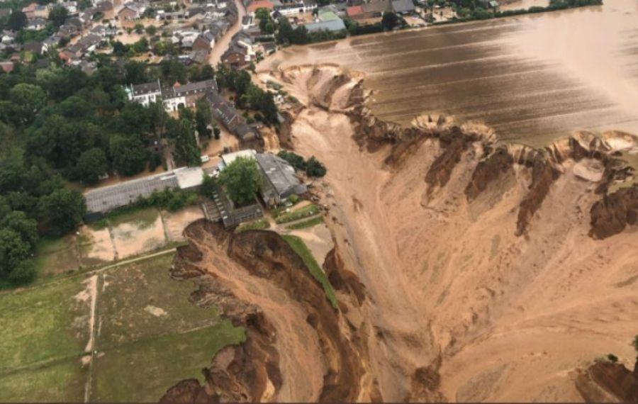 DEZASTRU în Germania. O alunecare de teren a făcut zeci de victime