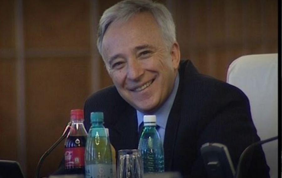 A fost publicată noua declarație de avere a lui Mugur Isărescu. Câți bani câștigă guvernatorul BNR