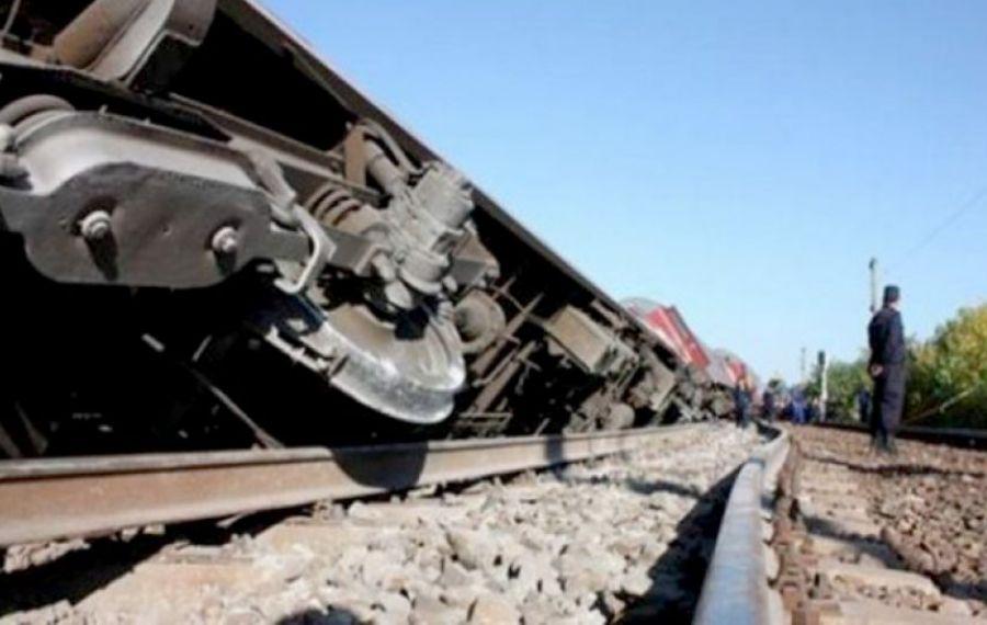 UPDATE. Tren marfar DERAIAT pe magistrala București – Constanța. Ambele sensuri blocate, sute de călători afectați