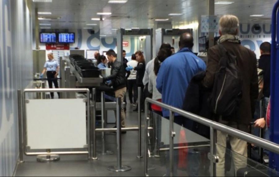 Probleme în Italia: Peste 150 de români, blocați pe aeroportul din Bergamo
