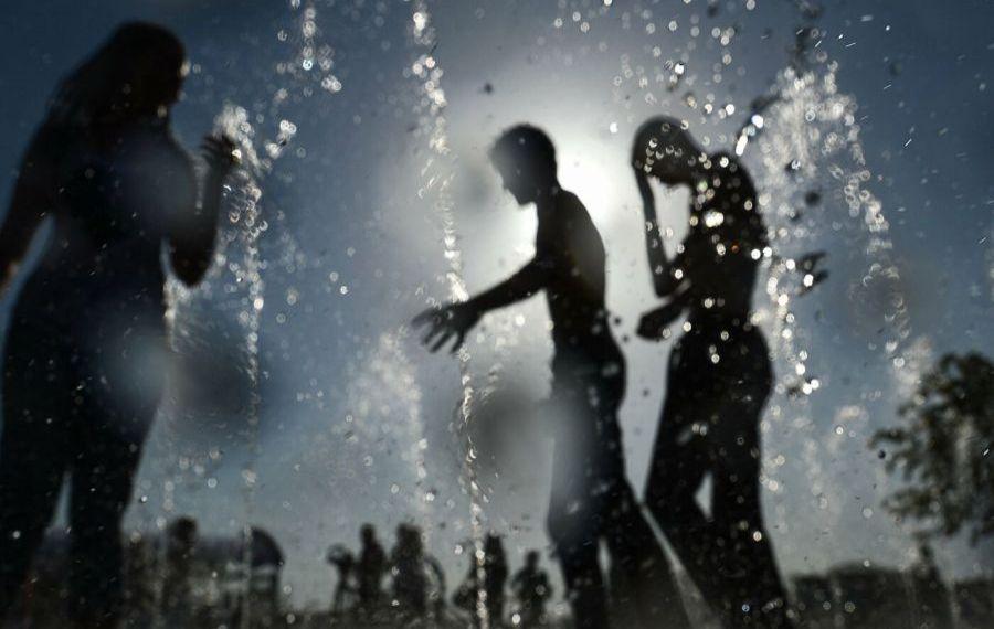 CANICULĂ. Puncte de acordare a asistenței medicale și de distribuție a apei potabile pentru persoanele vulnerabile, organizate în CAPITALĂ