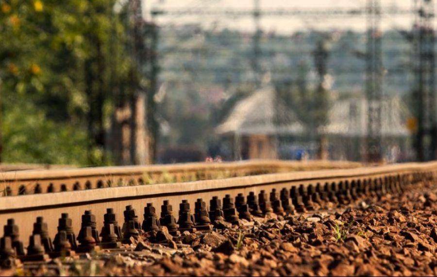 Alte două avarii pe căile ferate din România. Întârzieri de sute de minute, călătorii sunt disperați