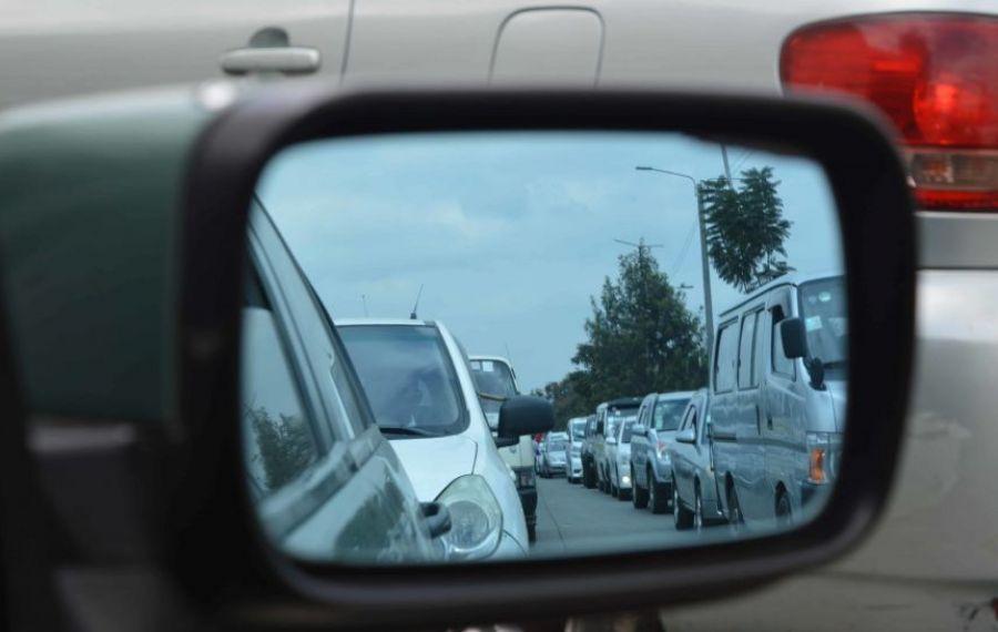 Traficul rutier a fost deviat dinspre Braşov către Valea Prahovei din cauza aglomerației