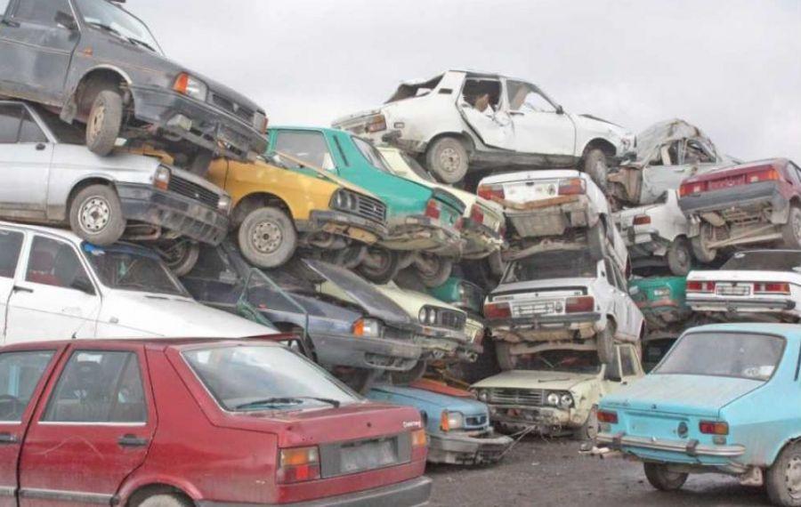 SANCȚIUNI drastice într-un centru de dezmembrări auto din Călărași. Ce nereguli a găsit Garda de Mediu