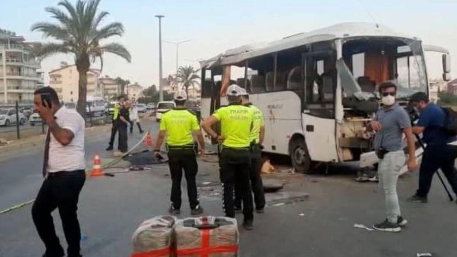 TRAGEDIE în Antalya, după ce un autocar cu turiști s-a răsturnat. Mai mulți MORȚI și răniți