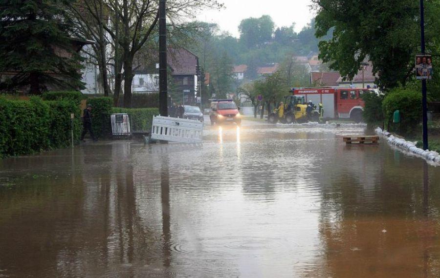 STUDIU. Schimbările climatice cresc probabilitatea precipitaţiilor extreme și inundațiilor