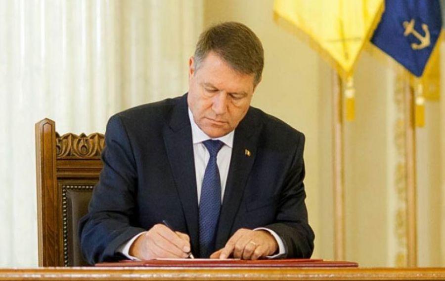 Președintele IOHANNIS a semnat decretele pentru miniștrii interimari. Premierul CÎȚU preia Ministerul Fondurilor Europene