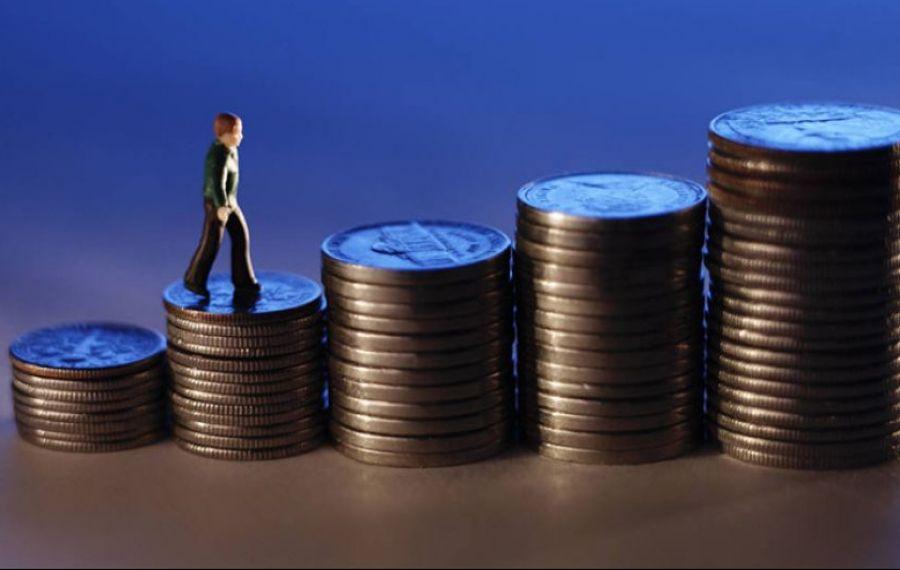 Cu cât ar putea CREȘTE salariul minim și când vrea Guvernul să aplice majorarea