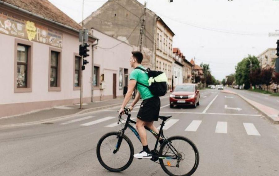 Atenție, șoferi: Schimbare importantă în Codul Rutier, în favoarea bicicliștilor: În ce condiții mai pot fi depățiți aceștia