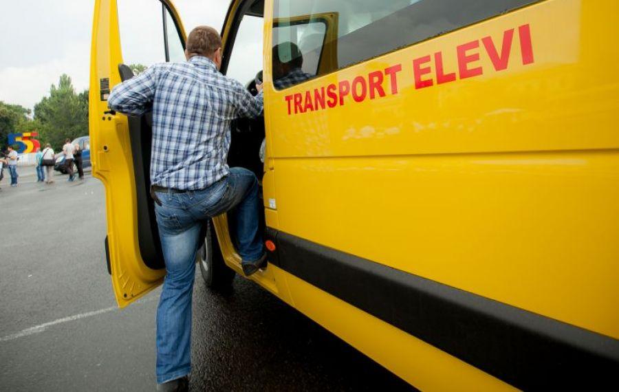 Lege promulgată: transport gratuit pentru elevi de la/până la școală