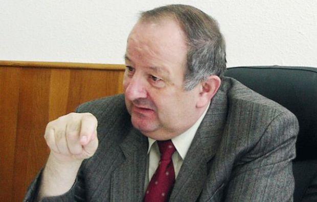 Cum vrea Dan Morega să scape PNL de Crin Antonescu