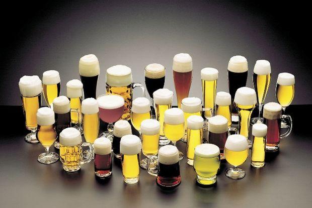 Accizele la bere cresc cu 10% de la 1 februarie, preţurile s-ar putea majora cu 2%