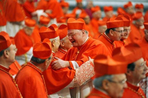 VOT ISTORIC LA VATICAN. Catolicismul, între reformă şi muşamalizarea scandalurilor