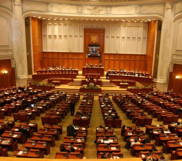 CCR: Sancţionarea parlamentarului aflat în conflict de interese, neconstituţională