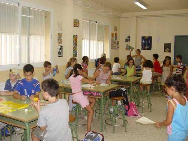 MEN: Copii cu vârsta între 6-7 ani trebuie înscrişi în prima etapă la şcoală