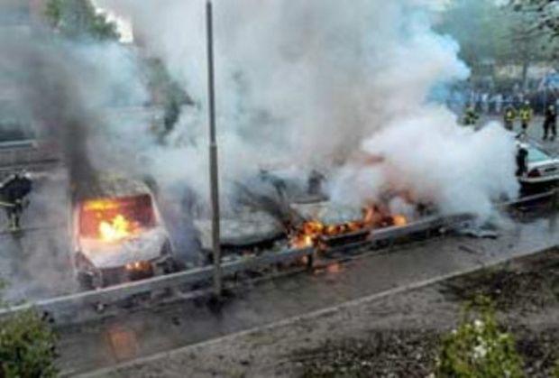 SUEDIA: A şasea noapte de incidente la periferia Stockholmului